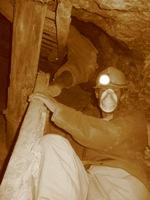 Verder klimmen en klauteren in de mijn, niet voor claustrofobielijders