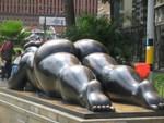 Mollige billen, publieke kunstin Medellin