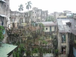 2008 Pan-Col 038 - Met regen werd het uitzicht achter het hostel nog treuriger