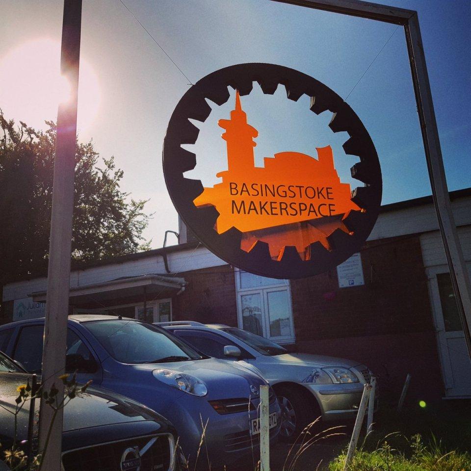 A sign outside Basingstoke Maakerspace