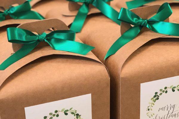Christmas Hampers , Corporate Hampers , Staff Hampers , Employee reward Hampers ,Paddy Box ,Hampers Ireland