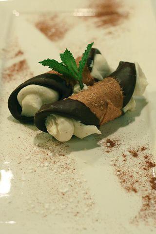 cannoli the most classic italian dessert - Traditional Italian Christmas Dinner