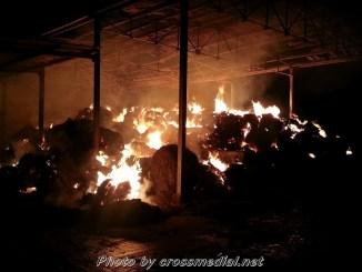 Incendio rimessa agricola a Costano, vigili del fuoco sul posto