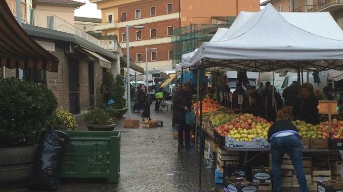 Coronavirus sospesi mercati di venerdì e mercoledì a Bastia Umbra
