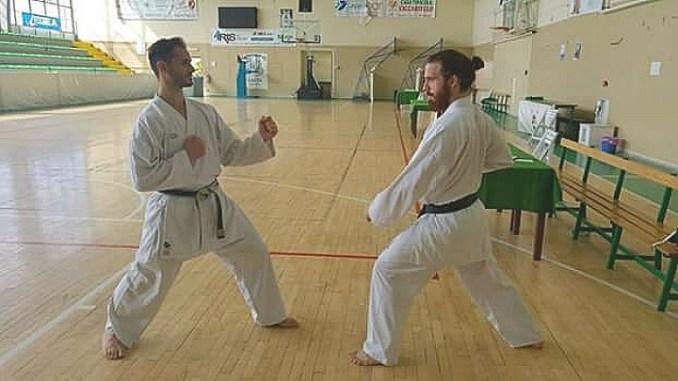 Karate passaggio di dan, Simone Cipiciani quinto Federico Belloni terzo