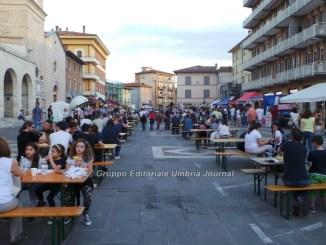 Pic Nic In Piazza a Bastia Umbra, ognuno porta il suo, il Comune i tavoli