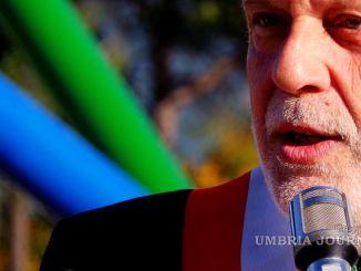 Stefano Ansideri, commosso, saluta la sua Città dopo dieci anni da sindaco di Bastia Umbra