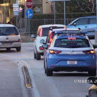 Controlli a Bastia Umbra, donna importunava i passanti per adescarli