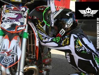 Lo show dei motori adrenalina corre su moto con team Daboot