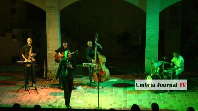 Viaggio musicale di musica classica con Nicola Gasbarro ad Acoustic Rocca Festival