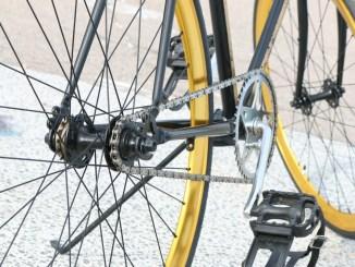 Chiudono proprietario in bagno, rapina negozio biciclette di Bastia