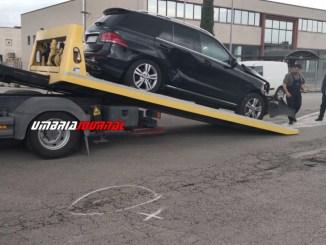 Incidente stradale nella zona industriale, Fiat Panda contro suv