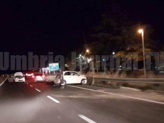 Incidente sulla 75 Centrale Umbra con tre feriti lievi, tutto bloccato