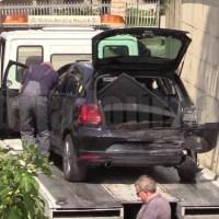 Inseguimento, speronamento e feriti a Bastia Umbra, rubate banconote, attimi di panico FOTO E VIDEO