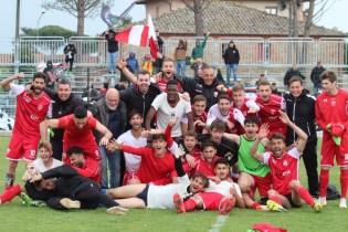 Bastia calcio serie D raduno di tifosi e dirigenti in Piazza
