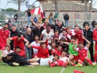 Bastia Calcio, si festeggia ancora la Serie D, tutti piazza