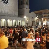 Festa in piazza a Bastia per il neo sindaco Paola Lungarotti VIDEO