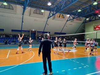 Volley, tutto il calore del Palagiontella, Abita Infissi vince e sogna