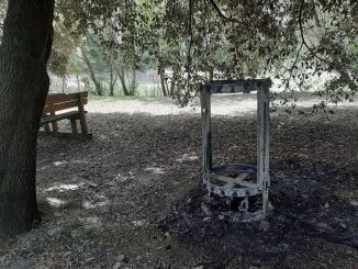 Bidone immondizia dato alle fiamme al percorso verde di Bastia
