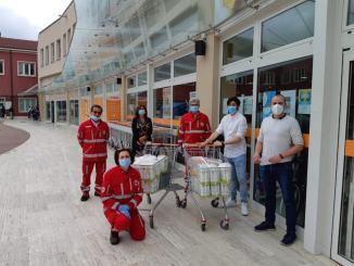 Rotary e Rotaract Assisi insieme per donare il loro contributo alla Croce Rossa