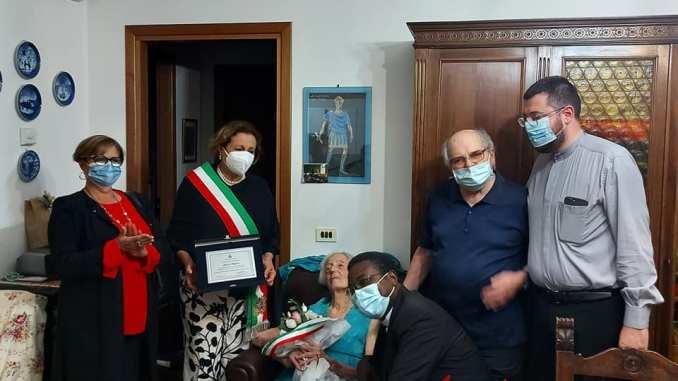 Ha compiuto ieri 100 anni Liliana Migliosi, plurilaureata