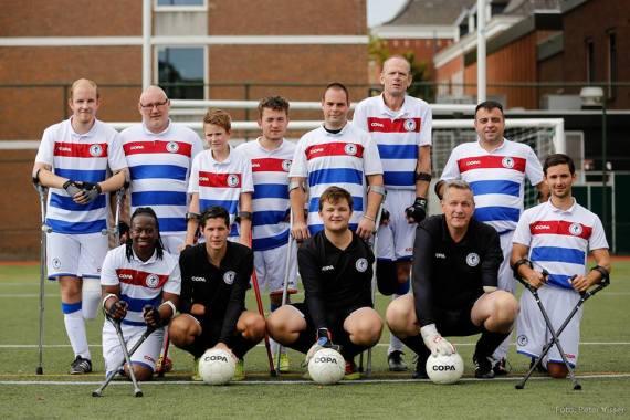 Ampuvoetbal teamfoto breda