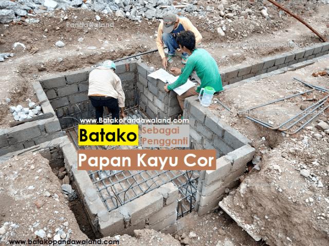 Batako-pengganti-papan-kayu-cor