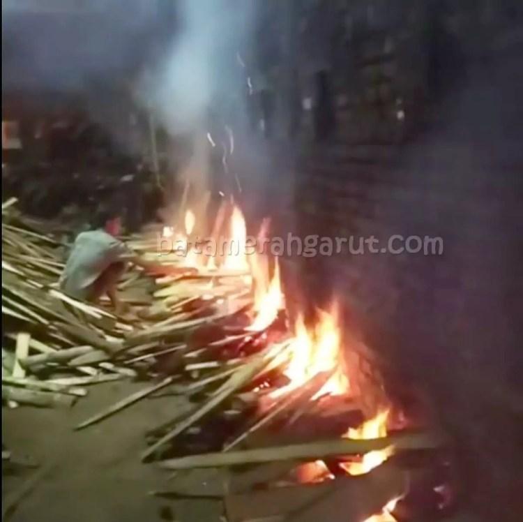 Proses/Cara & Tungku Tempat Pembakaran Batu Bata Merah
