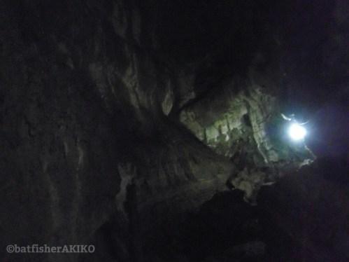 暗闇のトンネル内部