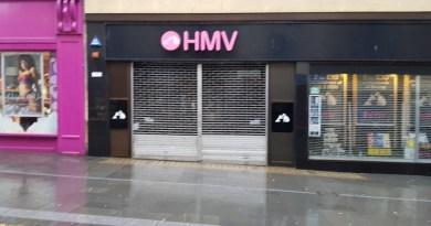 HMV to Close