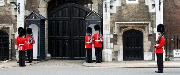 משמר המלכה -רוח ההיסטוריה נושבת במפרשי ההווה.