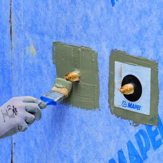 membrane d etancheite a l eau sous carrelage scelle ou colle pour sols et murs mapeguard wp system