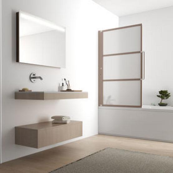 pare baignoire relevable en verre opaque traite 3 mm et barrettes verticales japandi