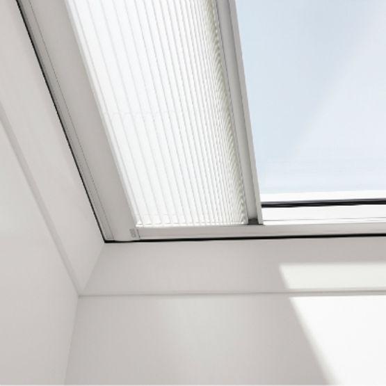 store pare soleil pour fenetre de toit plat ou a faible pente store fenetre coupole