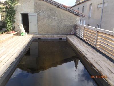 lectoure terrasse de piscine en traverse de chemin de fer les b tisseurs d 39 arcamont. Black Bedroom Furniture Sets. Home Design Ideas