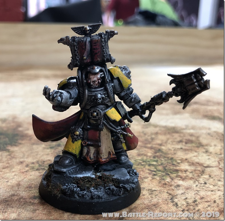 Imperial Fists Librarian in Terminator Armor  (1)