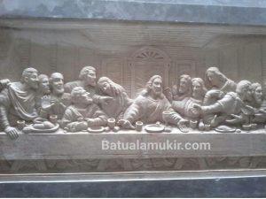 Relief Batu Putih motif Perjamuan Jesus