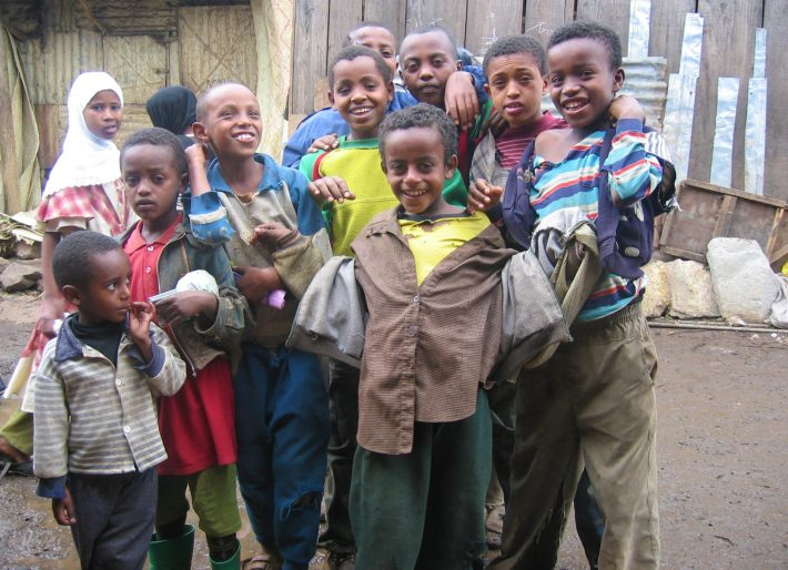 Addis Ababa - Kids at Mercado (2004)