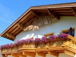 Bauernhof der Familie Post in Mieming, Wohnen und Arbeiten am Berg, Foto: Knut Kuckel