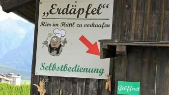 Selbstbedienung im Hüttl am Bauernhof Post in Obermieming - Von Juni bis zum Herbst ernten wir unsere Erdäpfel. Foto: Knut Kuckel