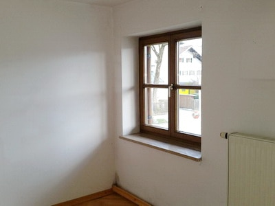 Mangelhaft eingesetztes Fenster Schimmel Wohnung Schimmelpilz Wandecke