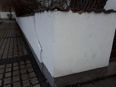 Schaden an einer Mauer durch Kraftfahrzeug, Versicherung