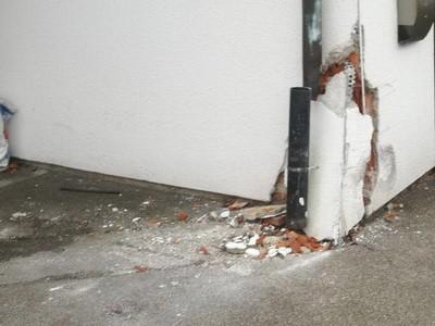 Unfallschaden an Hauswand Anfahrschaden