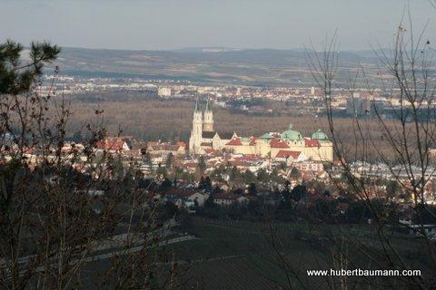 Kahlenberg, Blick auf das Kloster / Klosterneuburg
