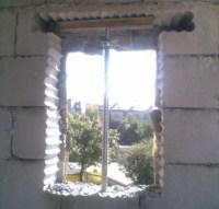 Fensteröffnung nachträglich in Wand aus Kalksandstein gebohrt