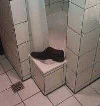 Schmaler Einstieg in Duschkabine