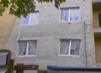 Fenster schief in Haus gemauert