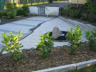 Erneuerung des Zugangs und der Außenanlagen mit Teichbau_2
