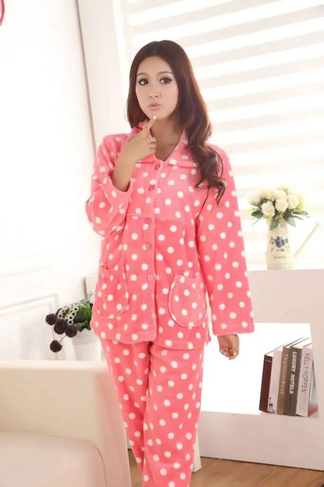 Bayan Pembe Pijama Modelleri