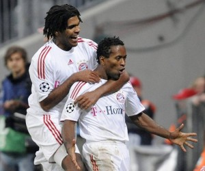 Happier times: Breno celebrates with Zé Roberto